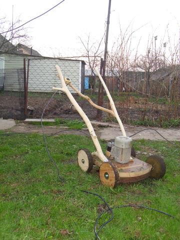 Самодельная газонокосилка ракурс №1